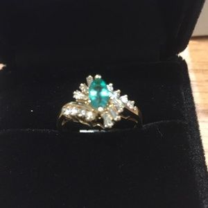 Jewelry - NEW! Diamond and Emerald Gold Ring